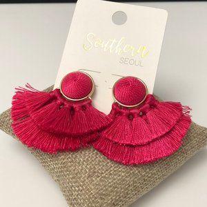 🆕Fucshia Multi tassel post earrings